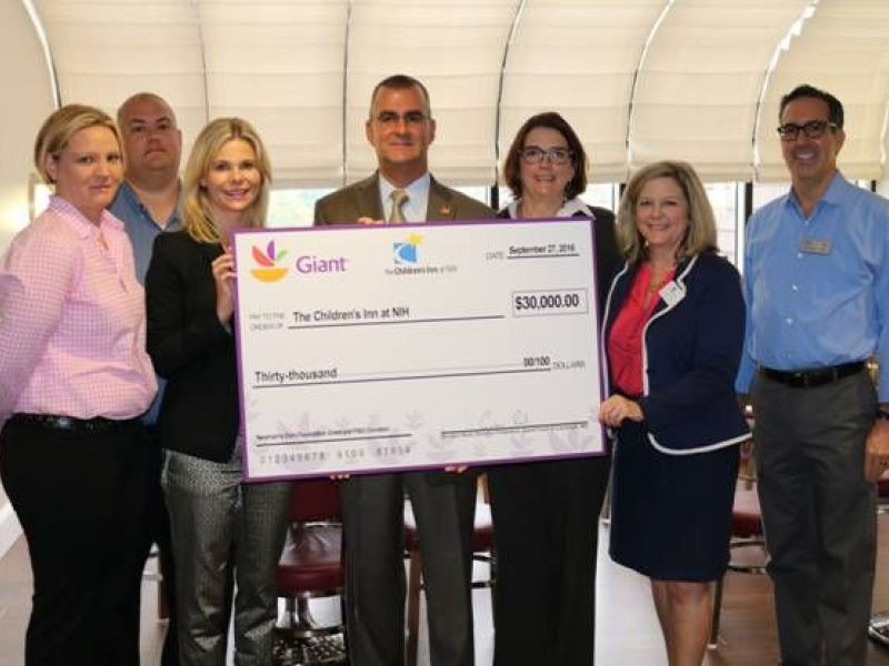 Giant Food presents a $30K check to The Children's Inn