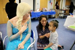 Luna and her mom Yury meet Elsa