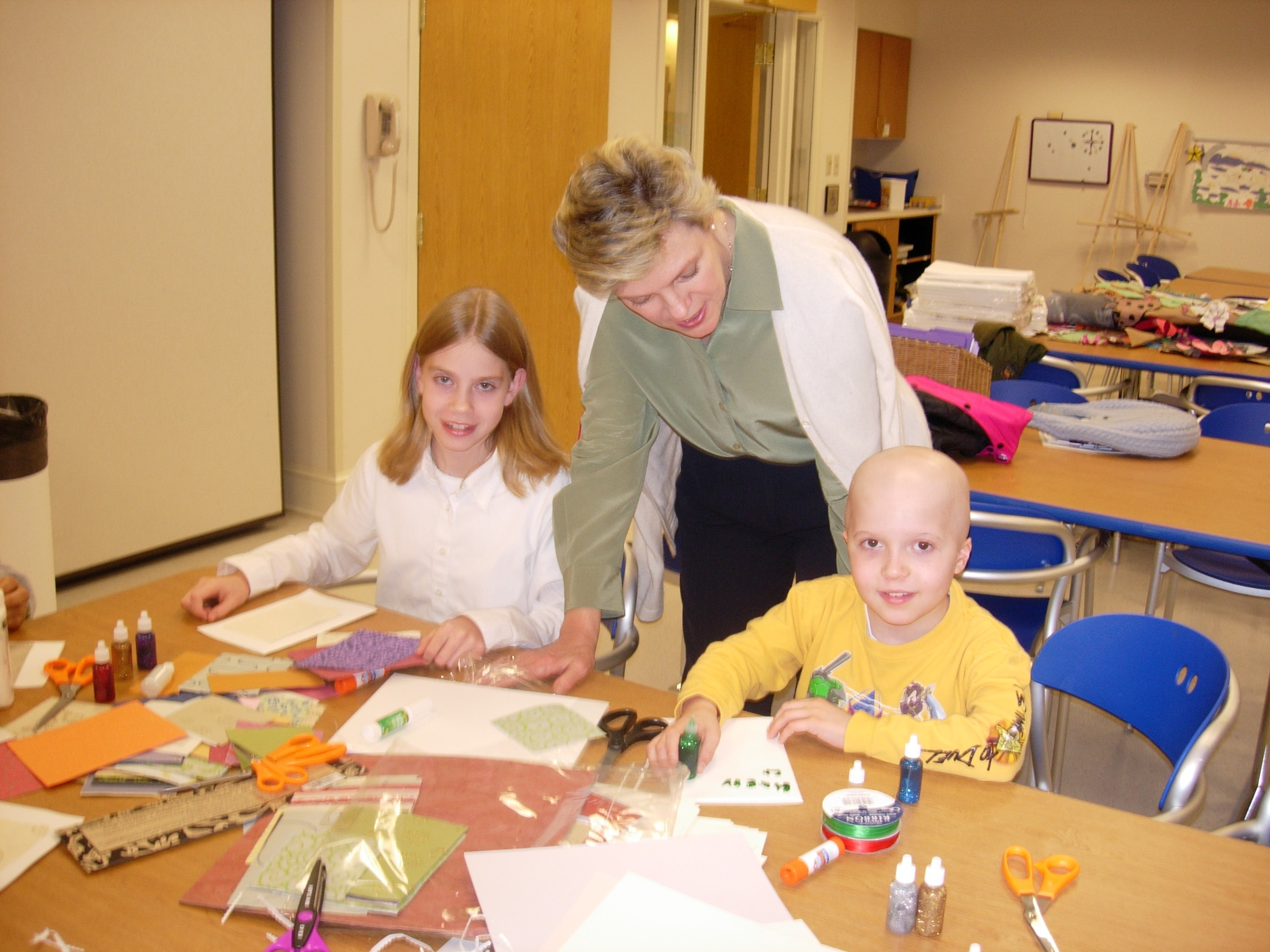 Inn board member Cokie Roberts with residents